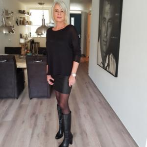 Daten in Drenthe met Blondeangela